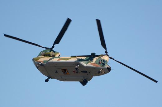 CH-47J_maneuver.jpg