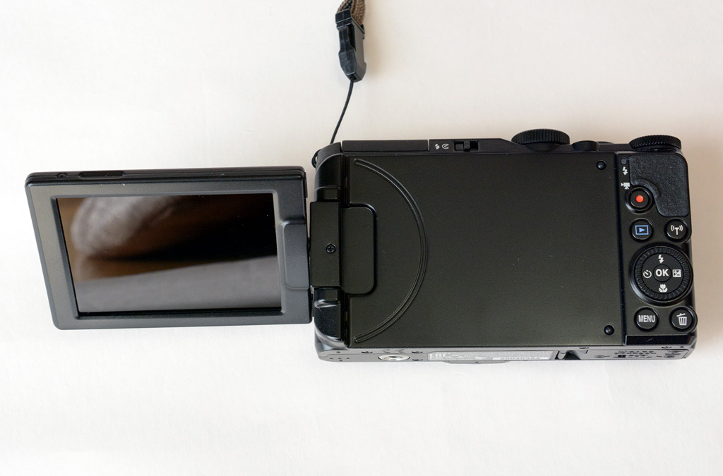 Nikon-S9900_High-pos.jpg