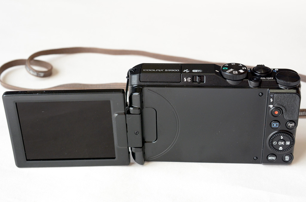 Nikon-S9900_Left-pos.jpg