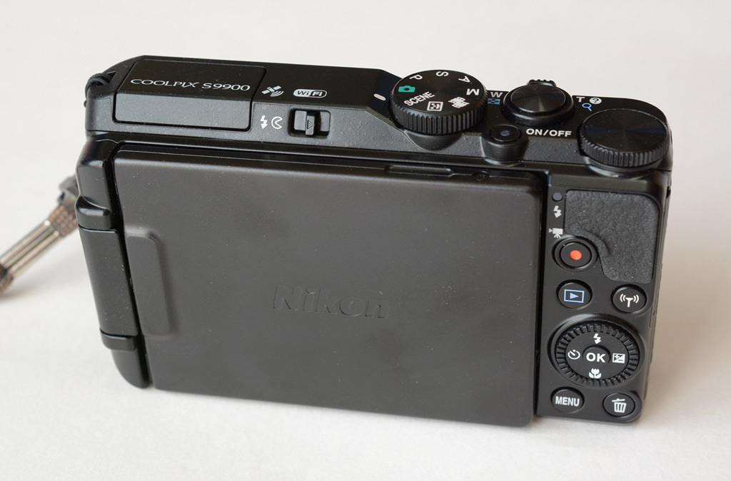 Nikon-S9900_Rear.jpg