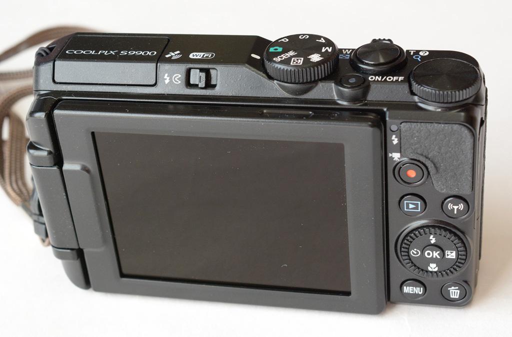 Nikon-S9900_std-pos.jpg