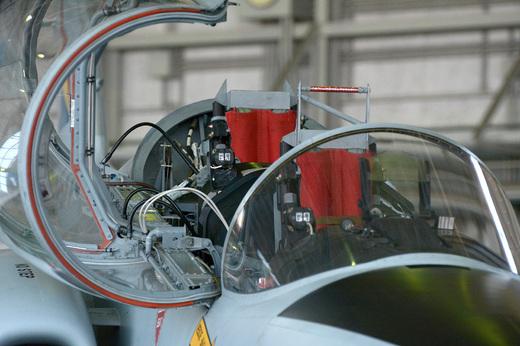 T4_cockpit.jpg